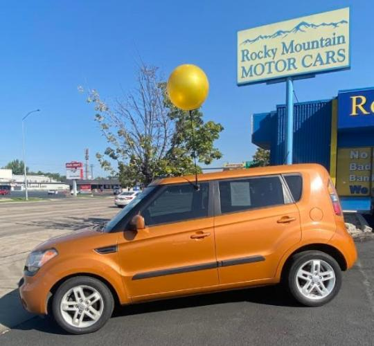 2011 Orange Kia Soul (KNDJT2A2XB7) with an 4-Cyl 2.0 Liter engine, Automatic, 4-Spd w/Overdrive transmission, located at 344 Washington Road, Ogden, UT, 84404, (801) 399-1799, 41.257221, -111.969597 - Photo #0